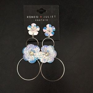 Romeo & Juliet 4 tier iridescent floral & Circle